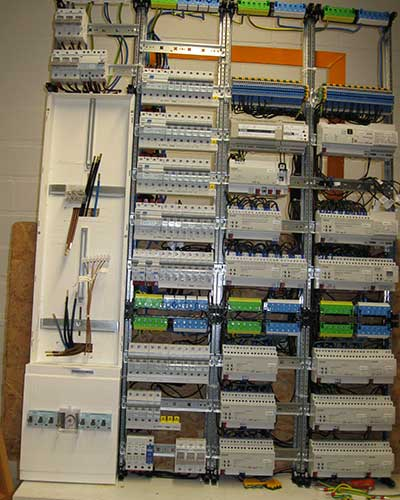 Verteilung mit KNX Komponenten